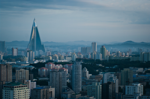 Ryugyong Hotel  柳京飯店 – 世界上最高的未完工建築