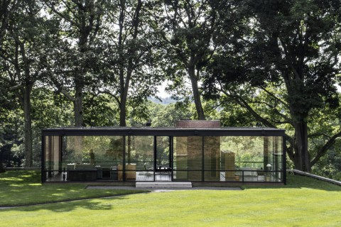 The Philip Johnson Glass House / Interview with Director and Chief Curator Henry Urbach 菲利普·約翰遜玻璃屋/導演兼首席策展人亨利·烏爾巴赫訪談