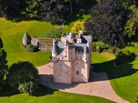 Craigievar Castle 克雷吉耶瓦爾城堡