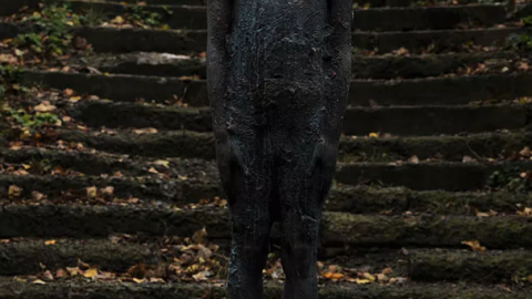 Raindrop statue