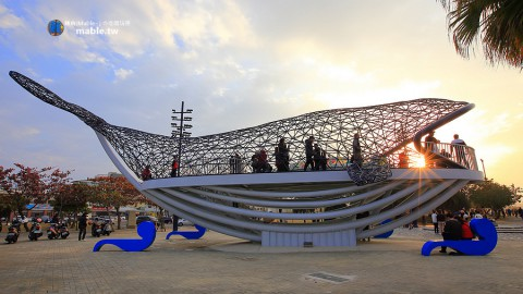 The blessing of the big fish in Tainan: Anping new landmark, a good place to enjoy the sunset and the night view 台南景點┃大魚的祝福:安平新地標,賞夕陽與夜景的好地方