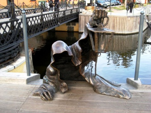 The statue of dark ghost shadow – Klaipeda (Lithuania) 暗影鬼影 – 克萊佩達(立陶宛)