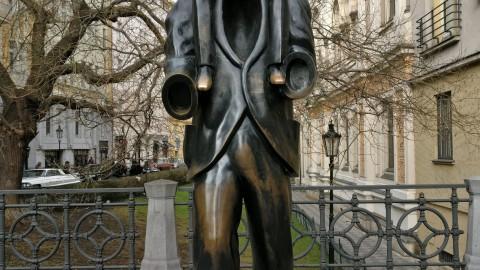 Statue of Franz Kafka 弗蘭茲卡夫卡雕像
