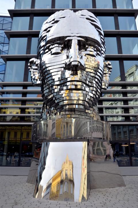 Statue of Kafka 卡夫卡的雕像
