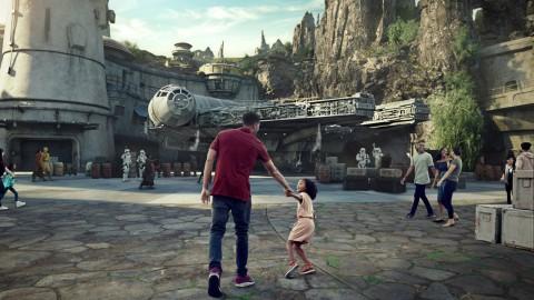 BREAKING Star Wars Galaxy's Edge to Open May 31 at Disneyland Resort, August 29 at Disney's Hollywood Studios, New Concept-Arts Released! 爆炸:星球大戰:銀河邊緣將於5月31日在迪斯尼樂園度假村開幕,8月29日在迪士尼好萊塢影城,新概念藝術發布!