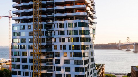 Studio Gang's spiralling Mira tower tops out in San Francisco |Studio Gang的螺旋式Mira塔在舊金山頂出