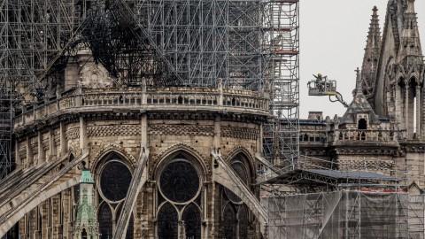 Apple pledges support to Notre-Dame as funds pass €600 million mark 由於資金通過6億歐元大關,蘋果承諾支持巴黎圣母院
