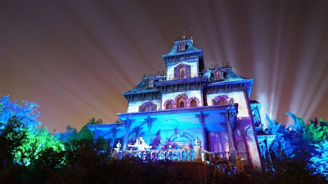 Phantom Manor Re-Open at Disneyland Paris – Full Ride 4K Video and Scene-By-Scene Review and Pictures ! 幻影莊園在巴黎迪士尼樂園重新開放 – 全程4K視頻和場景回顧和圖片!