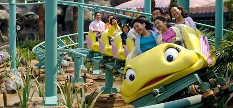 Tokyo Disney-Flounder's Flying Fish Coaster 東京迪士尼-小胖的飛魚雲霄飛車