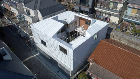 Tomohiro Hata's Loop House faces inwards onto a central courtyard|Tomohiro Hata's Loop House酒店朝向中央庭院