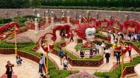 Shanghai Disneyland-Alice in Wonderland Maze 上海迪士尼樂園 – 愛麗絲夢遊仙境迷宮