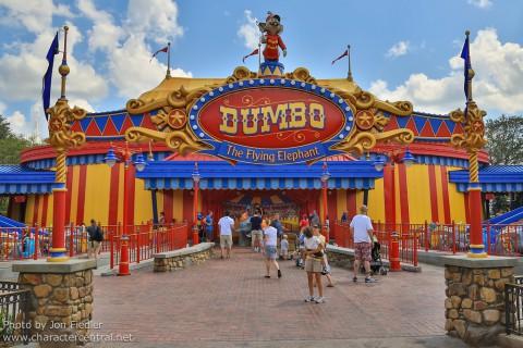 Shanghai Disneyland-Dumbo the Flying Elephant 上海迪士尼樂園 – 小飛象