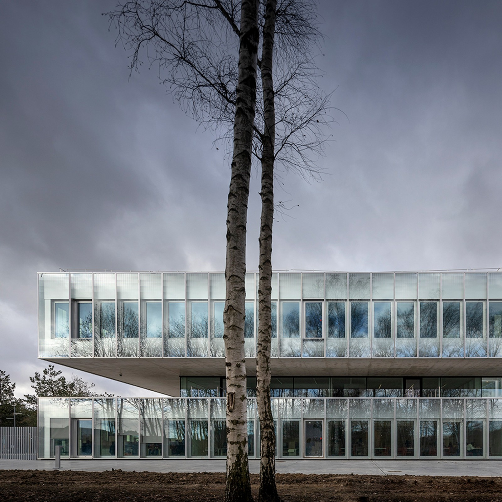 Kaan architecten designs stacked glass eurartisanat headquarters in lille kaan architecten - Chambre des metiers montbeliard ...