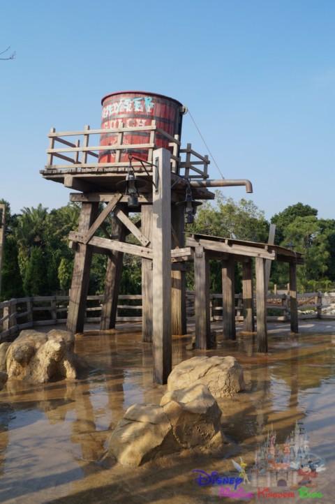 Hong Kong Disneyland – Geyser Gulch 香港迪士尼樂園–噴泉山谷