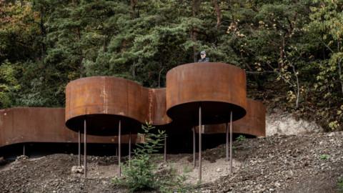 Reiulf Ramstad Arkitekter creates Corten steel structures along Chemin des Carrières trail|Reiulf Ramstad Arkitekter沿Chemin desCarrières步道創建了Corten鋼結構