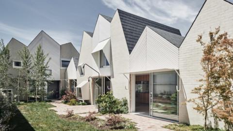 Zigzag roofs top extension in Melbourne by Austin Maynard Architects 奧斯汀·梅納德建築師事務所在墨爾本設計的鋸齒形屋頂延伸