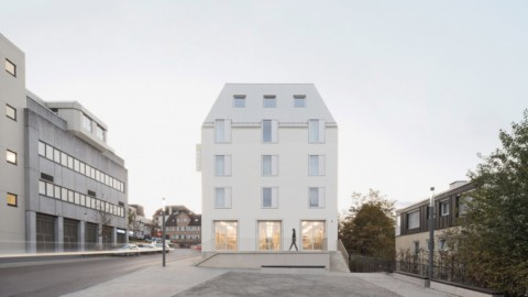 Von M clads carbon-neutral Hotel Bauhofstrasse in white fibre-cement shingles|Von M用白色纖維水泥瓦覆蓋著碳中和的Bauhofstrasse酒店
