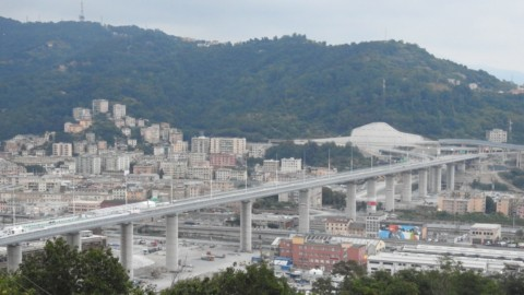 Renzo Piano unveils replacement for collapsed motorway bridge in Genoa|倫佐·皮亞諾(Renzo Piano)宣佈在熱那亞更換倒塌的高速公路橋樑