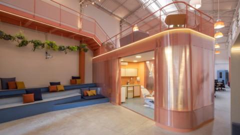 SuperLimão converts warehouse into colourful SouSmile dental office|SuperLimão將倉庫改造成色彩繽紛的SouSmile牙科診所