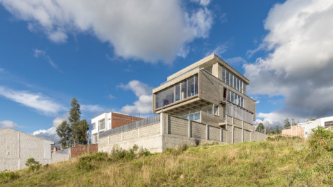 D4 House | Edwin Hurtado + Holger Cuadrado