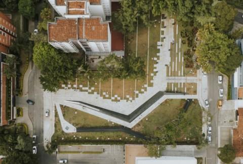 Conmemorativo Inflexion Park | Pequeña Escala Arquitectura + Taller Alterno
