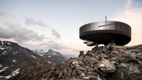 Network of Architecture perches Ötzi Peak 3251m viewpoint above a glacier in Italian Alps|建築網絡在意大利阿爾卑斯山的冰川上方棲息Ötzi峰3251m視點