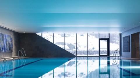 Bølgen Bath and Leisure Centre by White Arkitekter perches above a fjord|懷特·阿基特克特(White Arkitekter)創作的伯爾恩浴場和休閒中心位於峽灣上方