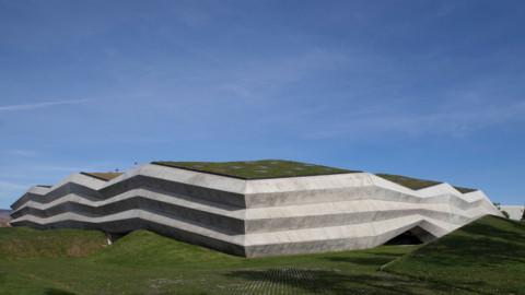 Giorgi Khmaladze Architects encloses Tbilisi coffee factory in folded concrete Giorgi Khmaladze Architects將第比利斯咖啡廠用折疊混凝土圍起來