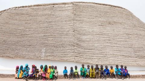 Toshiko Mori Architect tops circular school in Senegal with thatch roof|森利俊子建築師用茅草屋頂在塞內加爾的圓形學校中名列前茅
