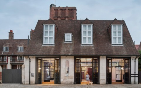 London's Belsize Fire Station converted into apartments by Tate Harmer 倫敦的Belsize消防局由Tate Harmer改裝為公寓