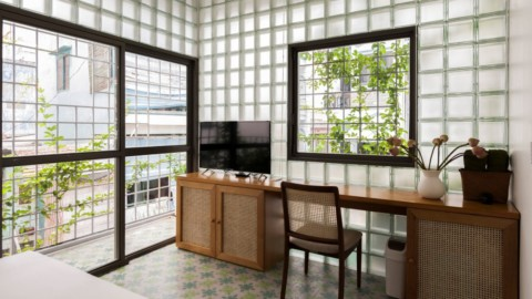 ROOM+ Design & Build replaces walls of house in Ho Chi Minh City with glass bricks|ROOM + Design&Build用玻璃磚代替胡志明市的房屋牆壁
