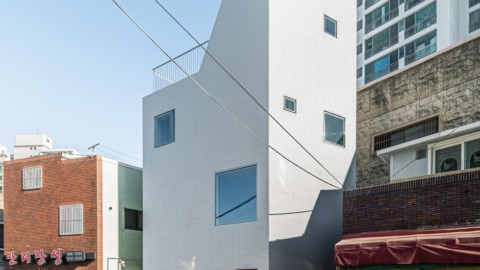Thumbs up Building | moc architects