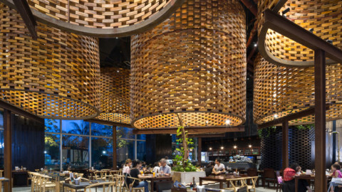 Pizza 4P's Restaurant Landmark 72 | ODDO architects