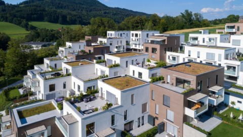 BMI Group produces roofing solutions for more sustainable buildings BMI集團為更具可持續性的建築提供屋頂解決方案