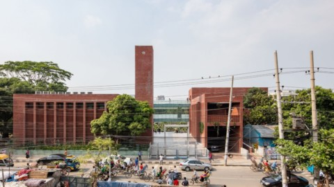 "Shatotto creates brick mosque in Dhaka to ""connect the celestial and terrestrial in a poetic way""