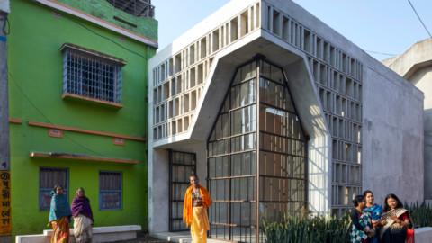 Abin Design Studio creates latticed concrete and glass temple in India 阿賓設計工作室在印度創建格子混凝土和玻璃廟