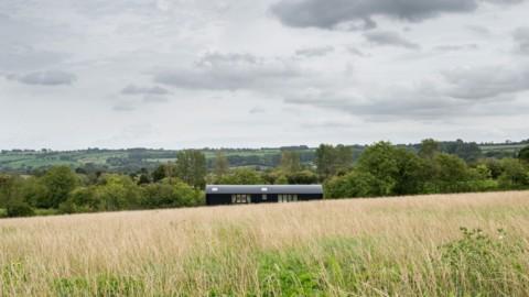 Turner Works converts Cotswolds barn into creative retreat DUT18|特納工廠將科茨沃爾德穀倉改造成創意別墅DUT18