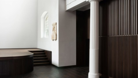 John Pawson strips back 18th-century church in London to celebrate original features|約翰·鮑森(John Pawson)剝離倫敦18世紀教堂以慶祝其原始特色