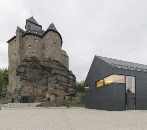 Intarsia in Stone Revitalisation of the Falkenberg Castle Complex with a Conference Center | Brückner & Brückner Architekten
