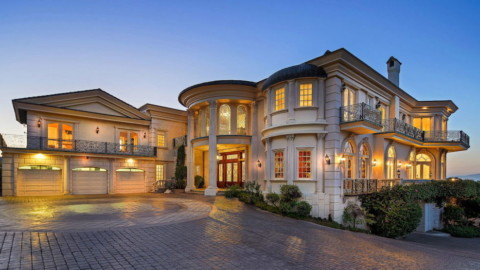 Mediterranean-Style Home by Architect Ronald Firestone Reduced to $16.5M 建築師Ronald Firestone打造的地中海風格住宅降至1,650萬美元